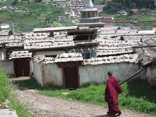 Langmusi village02